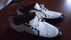 NEW LADIES' GOLF SHOES SIZE 9