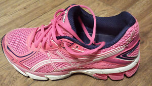 WOMEN'S ASICS GT-1000 2 RUNNING SHOES NEW! SIZE 7