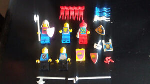 Vintage Lego castle minifigs and accessories