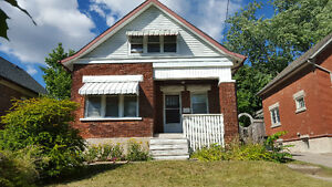 Rooms for Rent in House. Great Location. Jan - Apr Kitchener / Waterloo Kitchener Area image 1