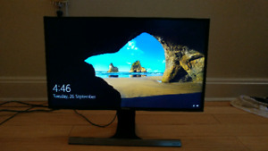 24-Inch LED Monitor Mint condition