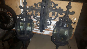 2 out door lights glass all there not broken
