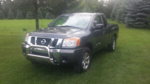 2010 Nissan Titan 2 or 4WD Very Good Must Sell in 2 days