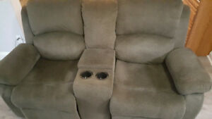 Reclining Loveseat with Storage in Center