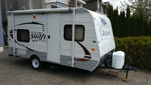 Small RV 2016 very light 15' Travel Trailer for Rent