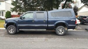 2004 Ford F-250 SuperDuty, Manual, Crewcab XL Pickup Truck