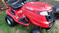 Troy Lawn tractor, fully automatic, 11.5 hrs use
