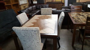 New 2 tone 5 piece dining table set