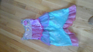 Costume for sale, size for 3 years old kid