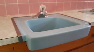 Vintage baby blue full bathroom set