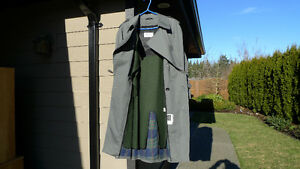 TRENCH COAT ,BRAND NEW,SIZE 38, REMOVABLE LINER/ BELT