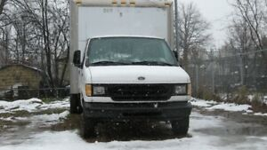 camion cube Ford 450, 18 pieds