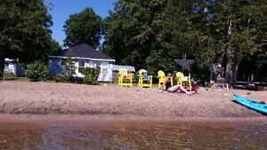 PRIVATE SAND BEACH LAKEFRONT COTTAGE (3BDRM 1BATH)