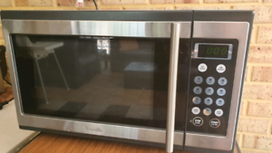 Breville 1100w microwave