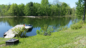 2 bedroom Waterfront Cottage for Rent on the Rideau CanalSystem Kingston Kingston Area image 7