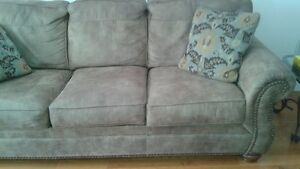 Brown sofa and love seat Cambridge Kitchener Area image 1