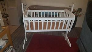 "White Wood Baby Cradle (35"" x 19 1/2"")"