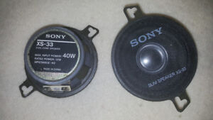 "Pair of Sony XS-33 40 Watt 2 way Speaker's 3.5"" 30$"