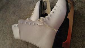 Size 5 figure skates