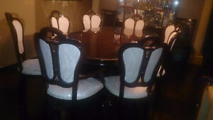 Beautiful dining room set London Ontario image 2