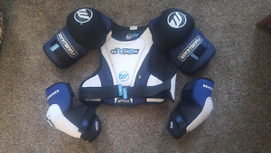 Mens shoulder pads and elbow pads