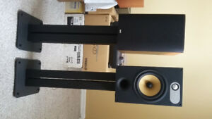 Bowers and wilkins 685 book shelf speakers.