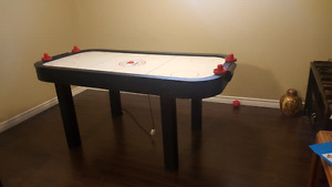 Air Hockey Table, strikers  and new pucks