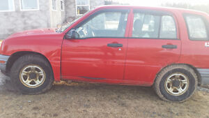 2000 Chevrolet Tracker and plow 900$