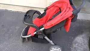 Britax Agile travel system, with car seat Kitchener / Waterloo Kitchener Area image 1