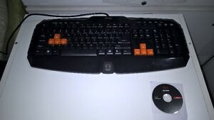 Clavier gaming Rosewill avec cd