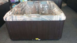 Canspa 140 hot tub - No payments till 2018 - $61 a month (OAC)