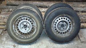 4 pneus d hiver à vendre