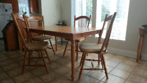 Kitchen table plus 4 chairs