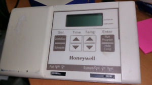 Progamable thermostat