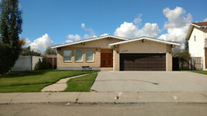 Five Bedroom Home in Castledowns North end, has Everything;