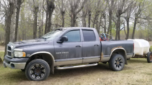 2004 Dodge Ram 2500 heavy duty with the Hemi