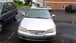 Honda Accord 2001 V6 Argent, Cuir, Toit ouvrant.