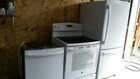Refrigerateur 20 Pi /Cuisiniere Vitroceramic/Lave Vaisselle DEMO