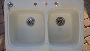 blanco,double sink,excellent condition 8 inch deep