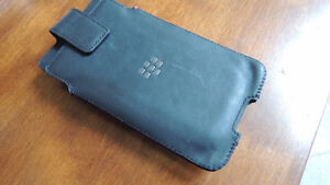 Nice Blackberry cell phone leather case with belt clip