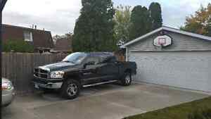 2007 DODGE RAM MEGA CAB LOW KMS!!