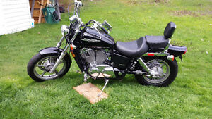 2004 Honda Shadow Spirit VT1100.