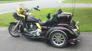 3 roues harley davidson motocyclettes dans qu bec petites annonces class es de kijiji. Black Bedroom Furniture Sets. Home Design Ideas