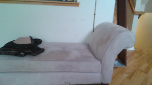Chaise lounge 75$
