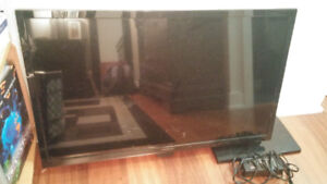 """32"""" Insignia LED TV - Like New Condition"""