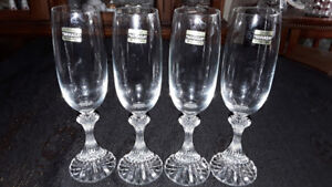 CRYSTAL MIKASA FLUTE GLASSES - THE RITZ PATTERN (4)