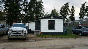 3 bedroom mobile home for rent in Whitecourt Oct 1