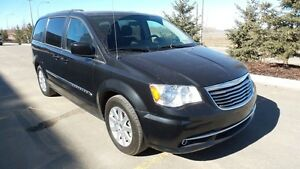 2013 TOWN & COUNTRY Power Everything, DVD, 63,000km $147 b/w