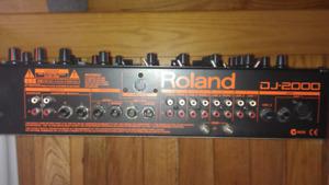 Roland DJ2000