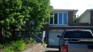 ATTENTION STUDENTS- 4 bedroom house by Nip/Canadore INCLUSIVE!